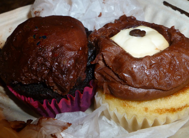 Sticky Fingers cupcakes (after surviving a flight from D.C. to Asheville)